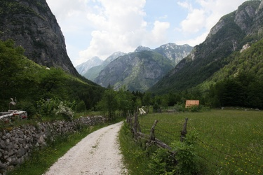 Zadnjica valley
